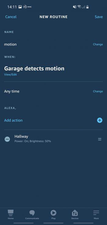 Rutina de Alexa que muestra cómo encender una luz cuando una cámara Ring detecta movimiento