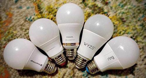 Múltiples bombillas inteligentes en un solo dispositivo: Cómo sincronizarlas