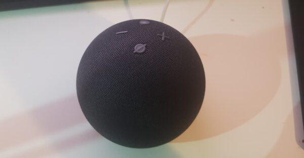 Revisión de Amazon Echo Dot (cuarta generación): ¿pensamientos?
