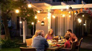 Las 5 mejores luces de patio para casas inteligentes