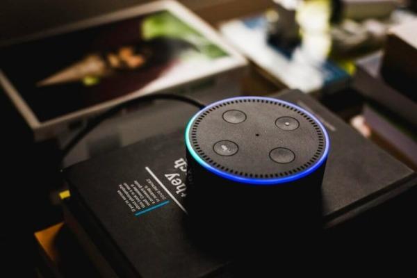 ¿Cómo funciona Alexa con dispositivos de Hogar Digital?