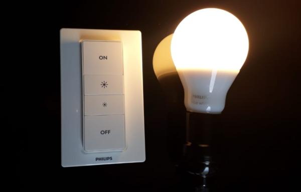 ¿Cuántas luces puede controlar un interruptor de atenuación de tono?