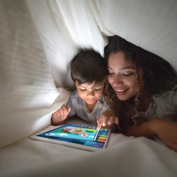 Equipamiento doméstico inteligente en red en la habitación de los niños